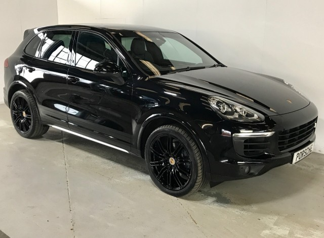 Used Porsche Cayenne D V6 Platinum Edition Tiptronic S Estate