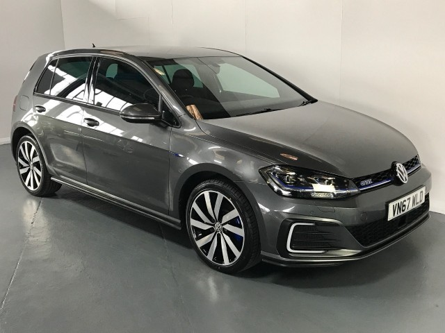 Used Volkswagen Golf GTe Advance DSG Hatchback